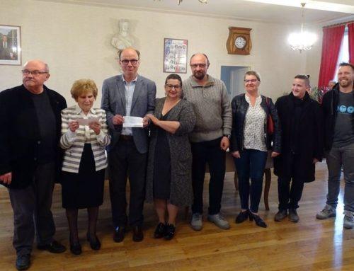 Le Pont et l'Accueil des Charmilles reçoivent un joli don d'un collectif d'associations