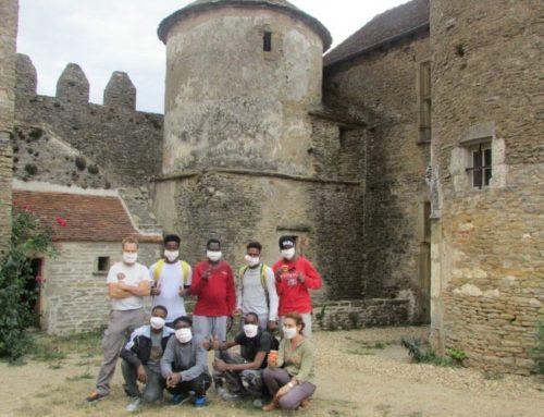 8 jeunes du CADA participent à la rénovation d'un château